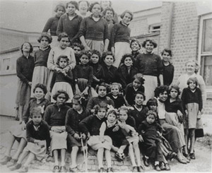 cootamundra single girls Placement of aboriginal girls in the institution of the cootamundra girls' home  has  as a home to mothers with their young children, single women, and girls.